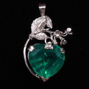 monica Groene kwarts hanger hartvormig